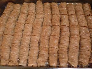 Peanut Baklava Rolls